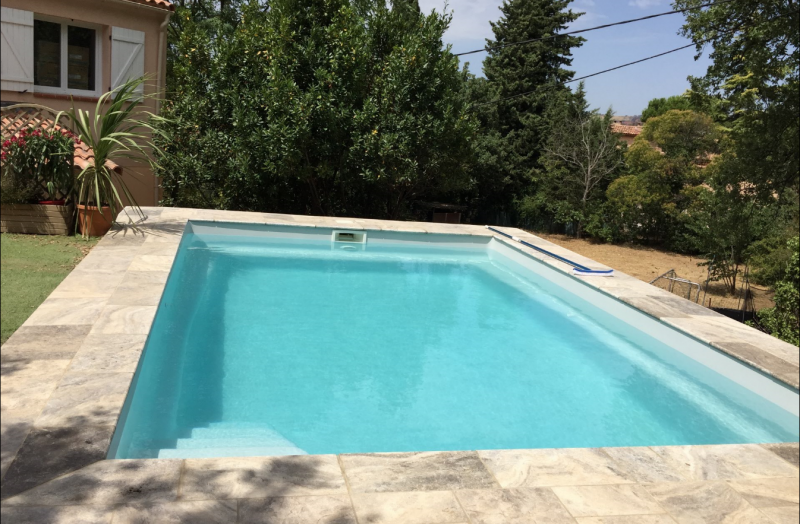 piscine coque polyester pas ch re marignane prostyle piscine. Black Bedroom Furniture Sets. Home Design Ideas